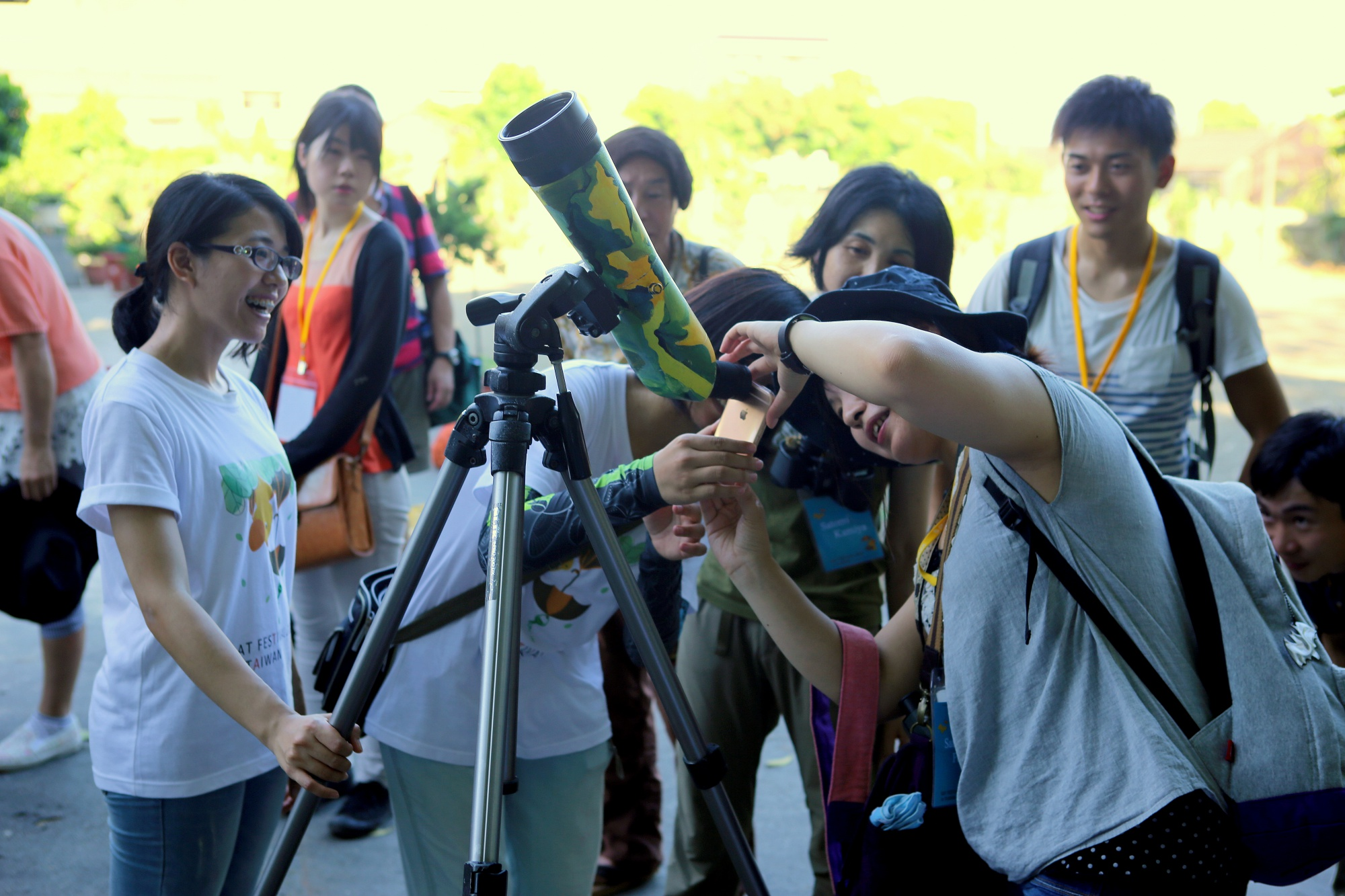 團體預約服務可使用高倍率望遠鏡賞蝠