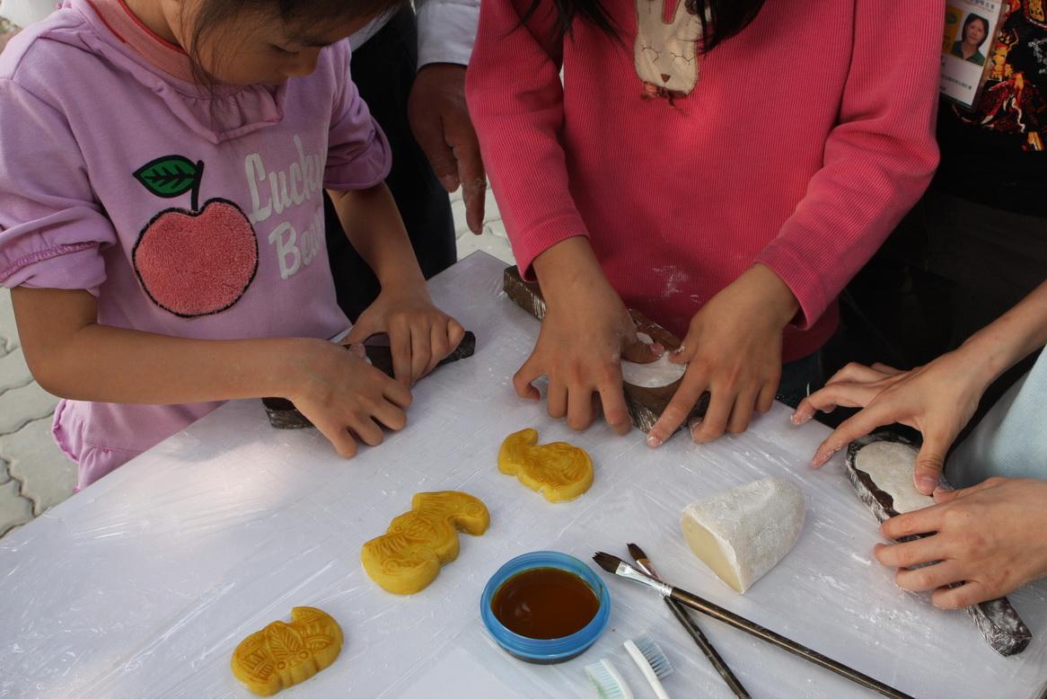 團體額外預約的蝙蝠鳳片糕製作