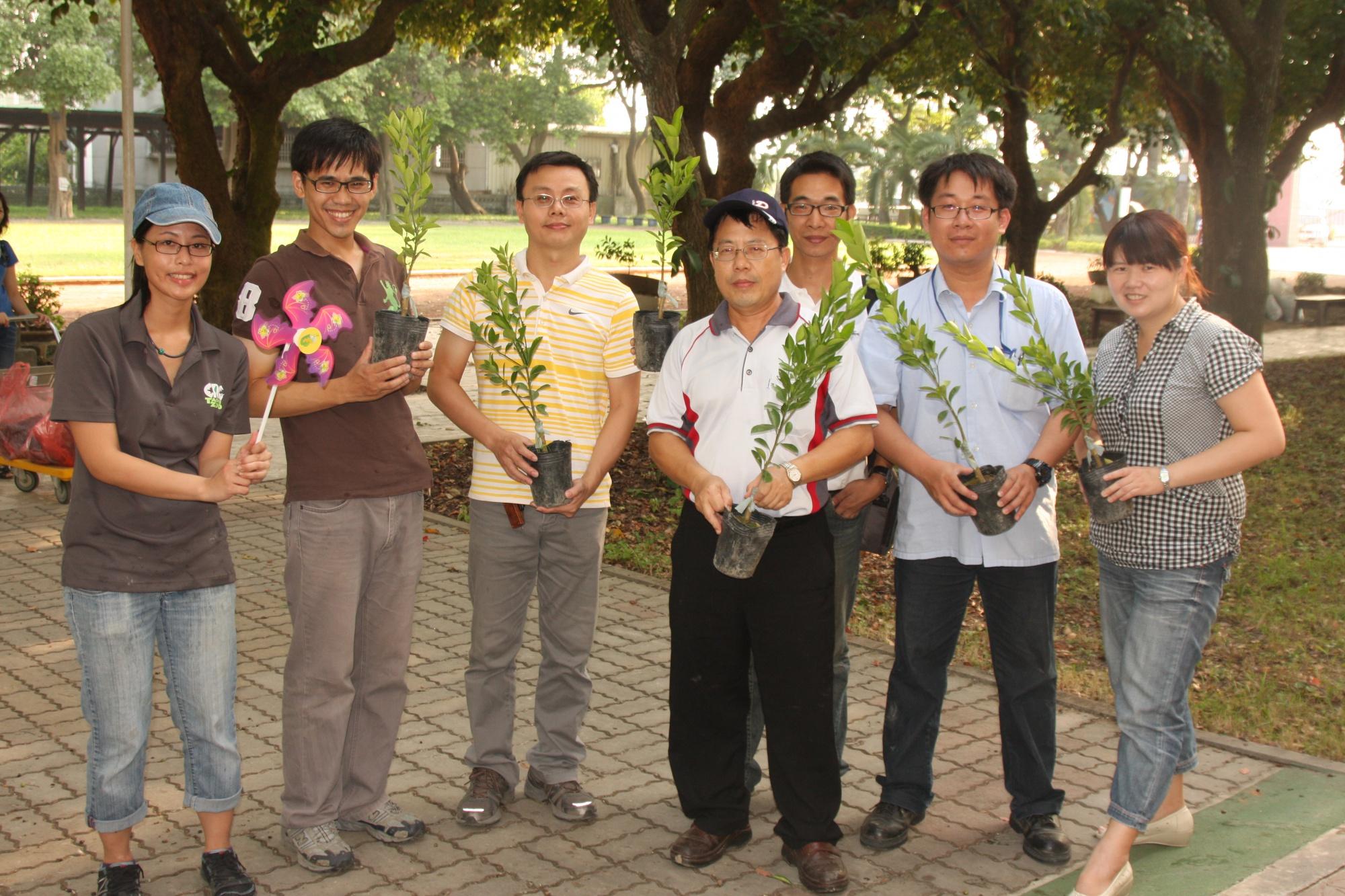 水林鄉公所曾跟我們合作鼓勵農民種植黃金蝙蝠的棲樹
