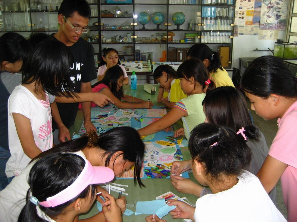 2008年張老師引入台灣永續聯盟青年志工開始活絡社區活動
